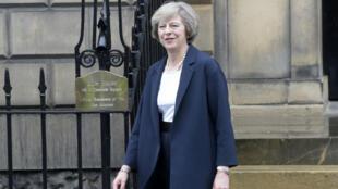 """Theresa May a révélé au cours d'une interview à la BBC que Londres déclencherait l'article 50 du Traité de Lisbonne """"avant fin mars"""" 2017."""