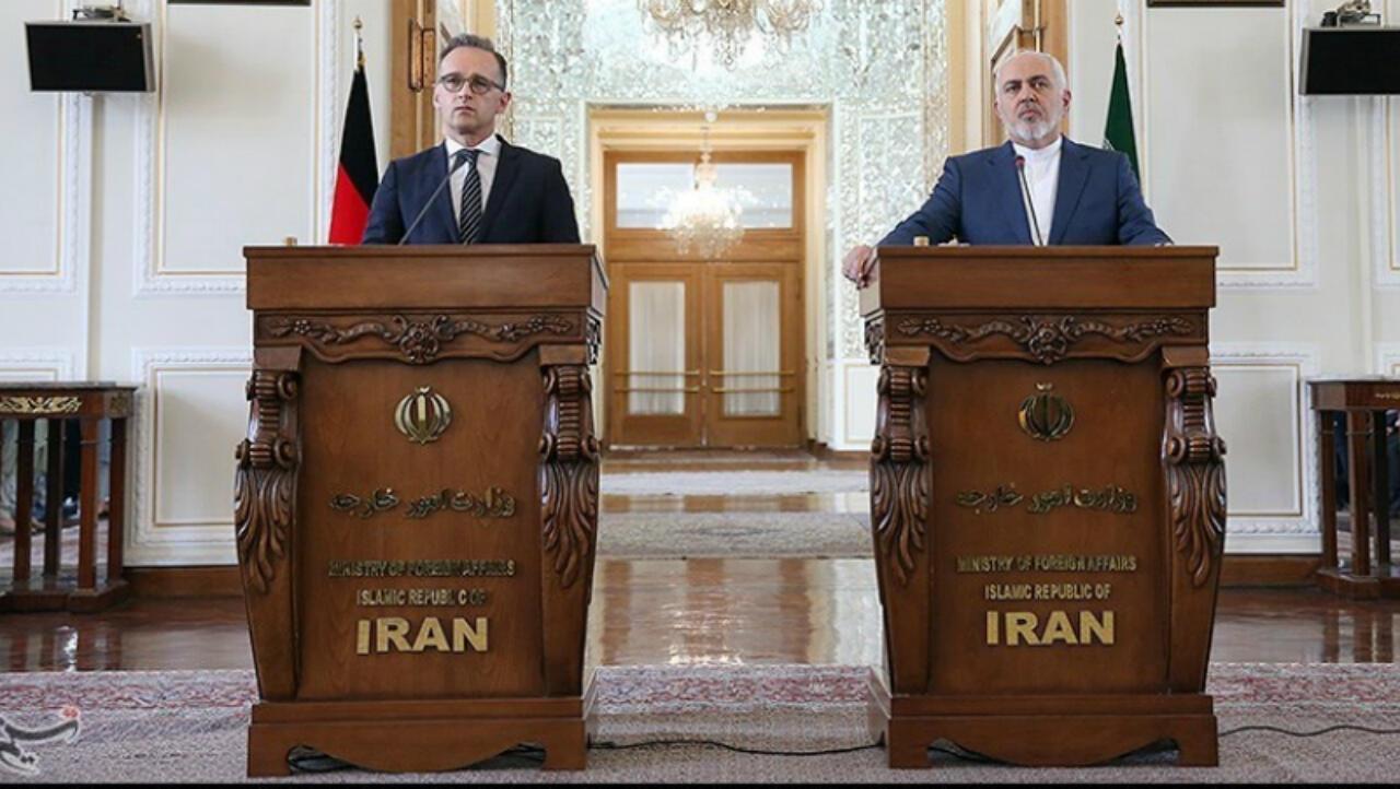 El ministro de Relaciones Exteriores iraní, Mohammad Javad Zarif, y su homólogo alemán, Heiko Maas, asisten a una conferencia de prensa en Teherán, Irán, el 10 de junio de 2019.
