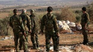 جنود سوريون في حلب في 22 كانون الأول/ديسمبر 2015