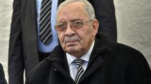 """Le chef d'état-major Ahmed Gaïd Salah veut privilégier le """"dialogue avec les institutions de l'État""""."""