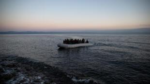 Grèce migrants bateaux lesbos