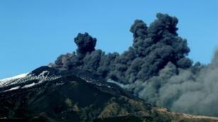 ثوران بركان إتنا