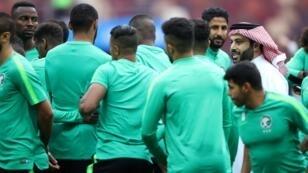 تركي آل الشيخ يتابع تدريبات المنتخب السعودي خلال كأس العالم بروسيا 2018