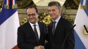 François Hollande et Mauricio Macri, jeudi 24 février 2016, à Buenos Aires.