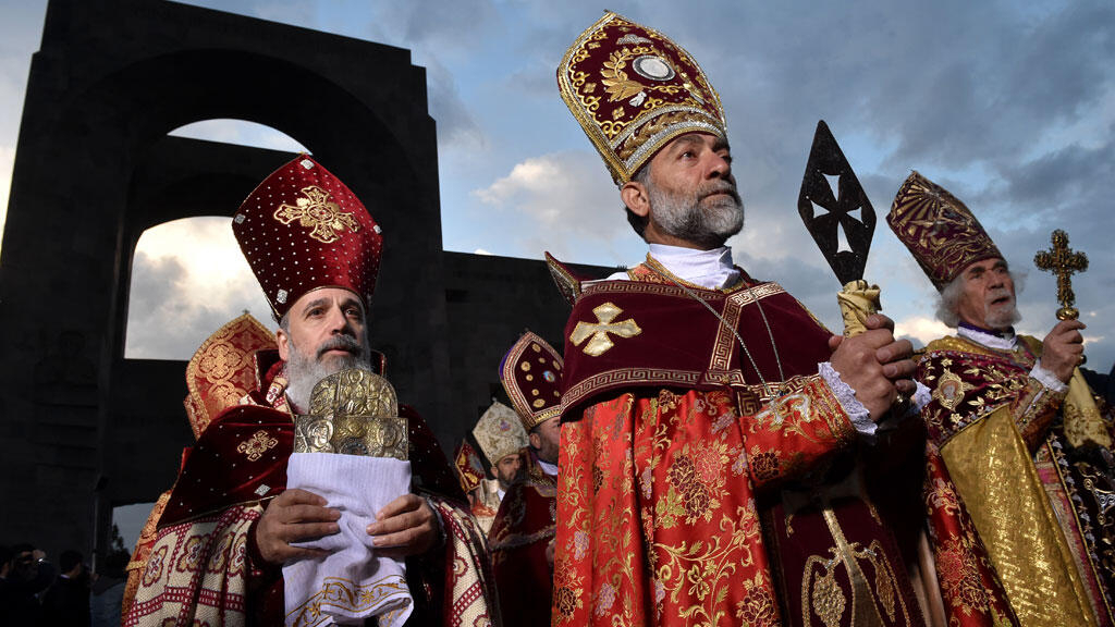Armenian church makes saints of 1 5 million genocide victims