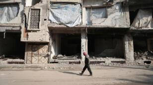Malgré quelques accrochages signalés notamment autour de Damas, le cessez-le-feu entre régime et rebelles tient toujours en Syrie au lendemain de son entrée en vigueur.