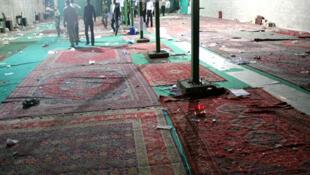 لقطة من تفجير 2008 الذي استهدف مسجدا في شيراز وأسفر عن مقتل 14 شخصا وإصابة 215 بجروح