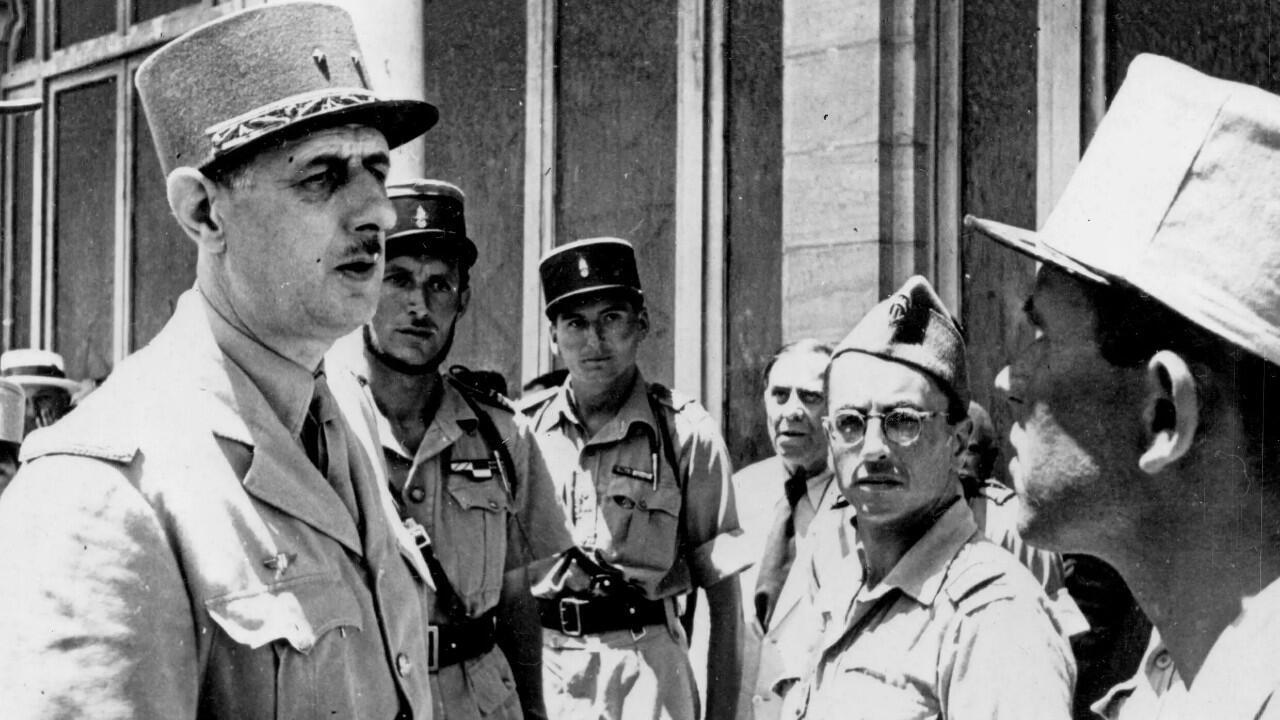 Hubert Germain (center) in June 1943 in Tunis with General de Gaulle and Captain Gabriel Brunet de Sairigné during the Tunisian campaign.