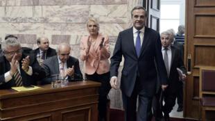 Le Premier ministre grec, Antonis Samaras, a tenté un coup de poker en avançant la présidentielle de deux mois.