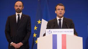 El presidente francés Emmanuel Macron pronunció un discurso en el Ministerio del Interior en París al que asistió el primer ministro Edouard Philippe después de una situación de rehenes en un supermercado en el pueblo de Trebes, en París, Francia el 23 de marzo de 2018.