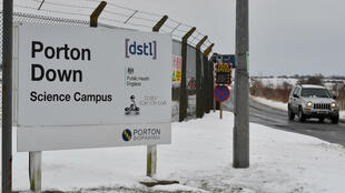 Ben Stansall, AFP | Samples collected in connection with the investigation into an apparent nerve agent attack in Salisbury on March 4, 2018, were taken to be analysed Porton Down science park, which houses Britain's Ministry of Defence's Defence Science and Technology Laboratory.