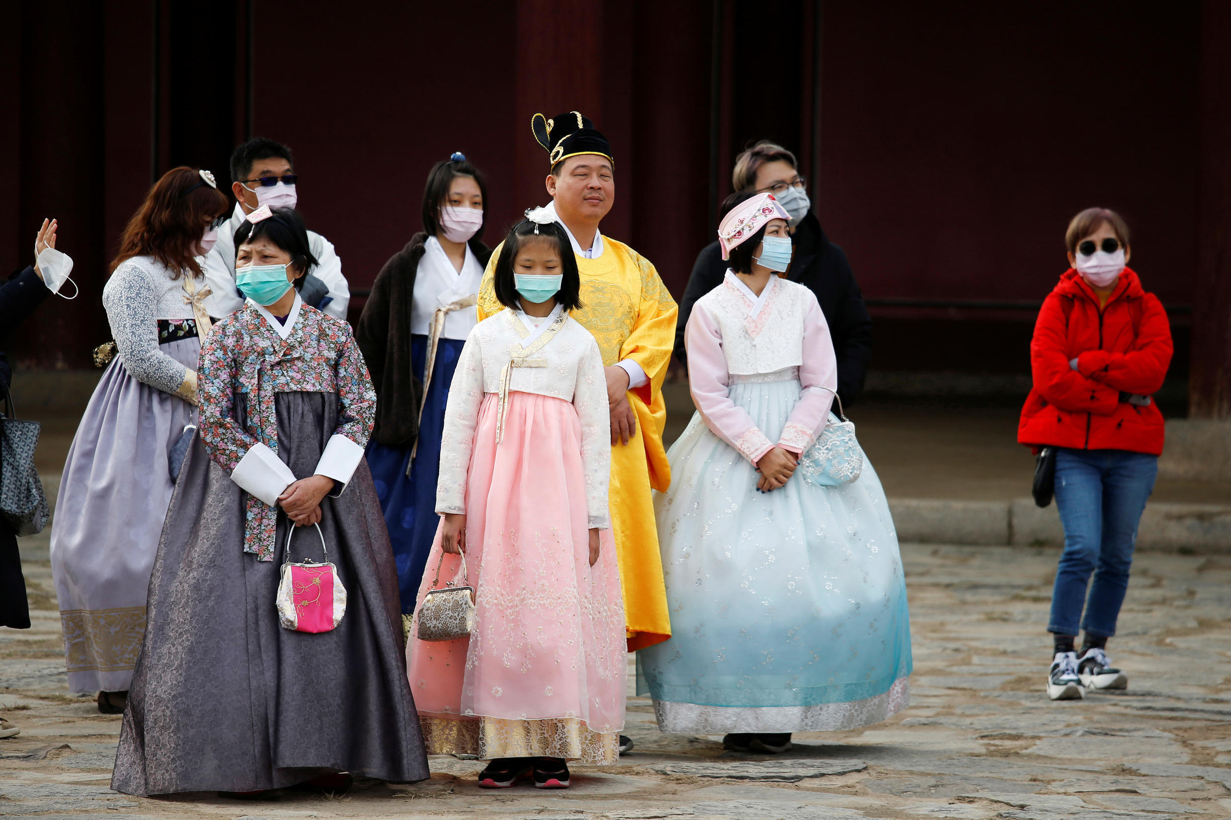 2020-01-29T093549Z_418878470_RC2LPE9LAYSO_RTRMADP_3_CHINA-HEALTH-SOUTHKOREA