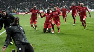 L'Olympique Lyonnais a fini par écarter le Besiktas devant son public, jeudi 20 avril 2017.