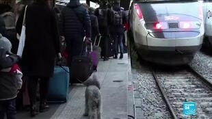 2019-12-24 10:40 France national strike and travel chaos continue, as no christmas truce to be declared