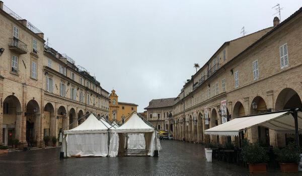 The piazza del Popolo, at the heart of Fermo's old centre.