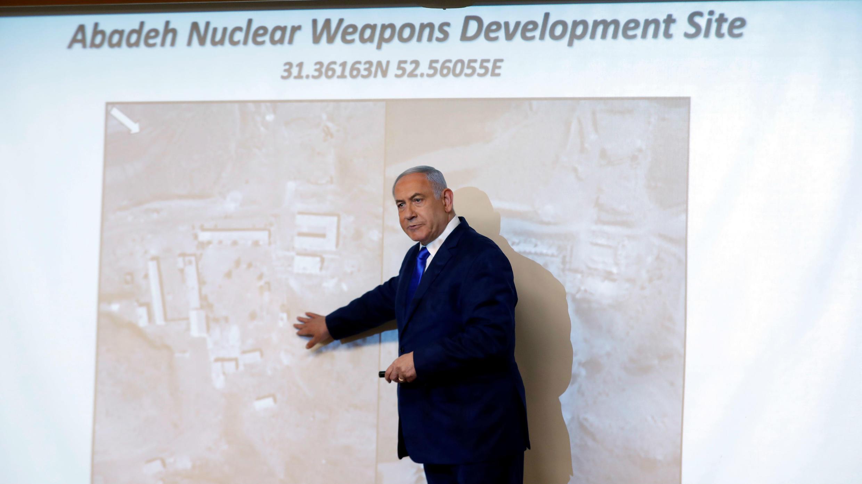 El primer ministro israelí, Benjamin Netanyahu, presenta lo que sería el lugar donde Irán presuntamente tenía una instalación para desarrollar armas nucleares, en Jerusalén, el 9 de septiembre de 2019.