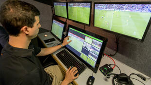 Depuis plusieurs mois, l'arbitrage vidéo est testé par plusieurs ligues professionnelles en Europe et ailleurs.