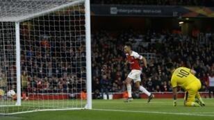 Pierre-Emerick Aubameyang scored twice as Arsenal beat Rennes 3-0 to reach the Europa League quarter-finals