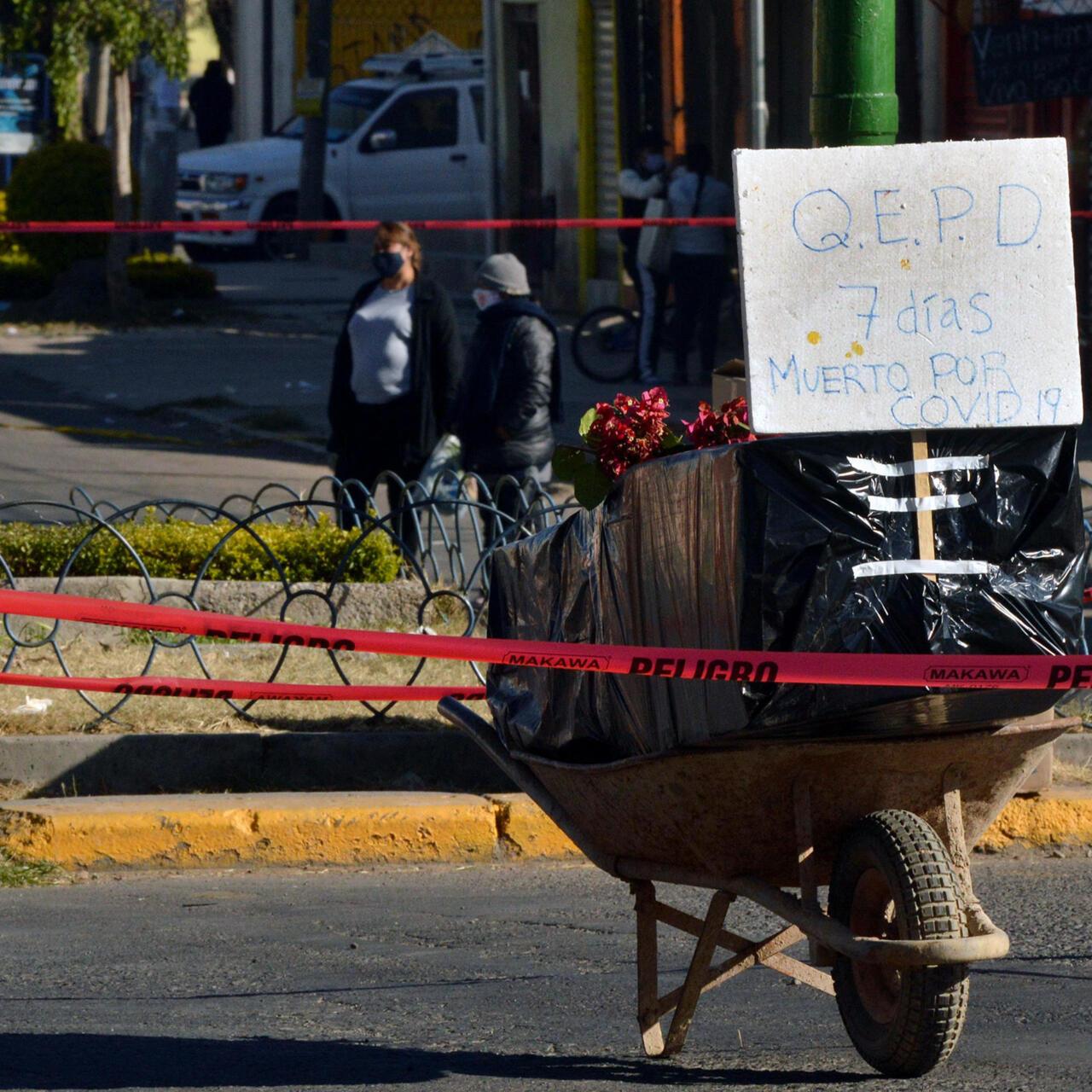 Vecinos protestan en Bolivia por cadáveres insepultos contagiados ...