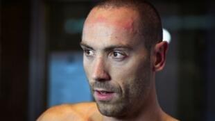 Le Français Jérémy Stravius avant le 50 m dos aux Championnats de France de natation, le 18 avril 2019 à Rennes