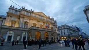 صورة أرشيفية لمسرح لاسكالا العريق بمدينة ميلانو الإيطالية