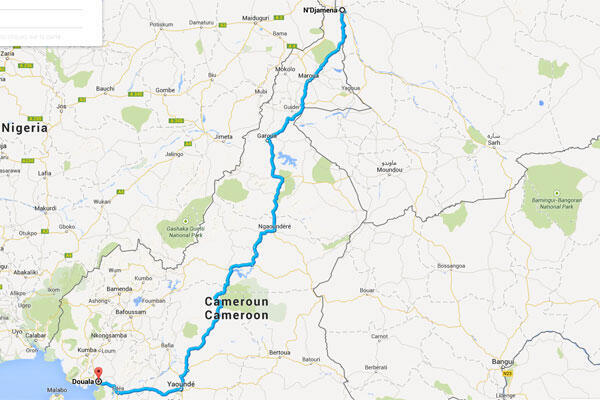 La route la plus courte entre Douala, au Cameroun, et N'Djamena, au Tchad. Mais Roger ne l'emprunte plus, elle est devenue trop dangereuse depuis que Boko Haram mène des raids dans le nord du Cameroun.