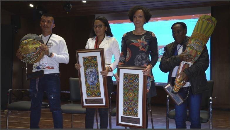 Líderes sociales reciben el premio a defensores de derechos humanos, en Bogotá, Colombia. 2018