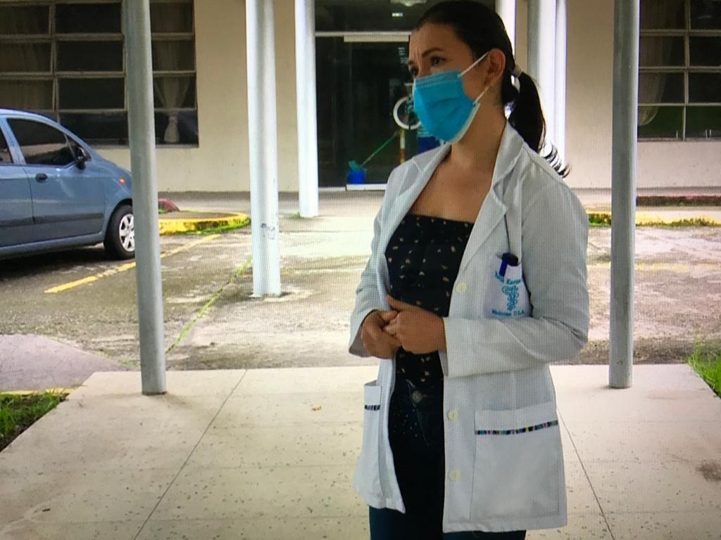 Doce médicos y enfermeros han sido detenidos y amenazados en Venezuela por reportar falta de insumos en medio de la pandemia.