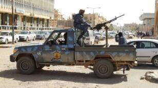قوات تابعة للمشير خليفة حفتر تسير دورية في جنوب مدينة سبها الليبية في التاسع من فبراير /شباط 2019