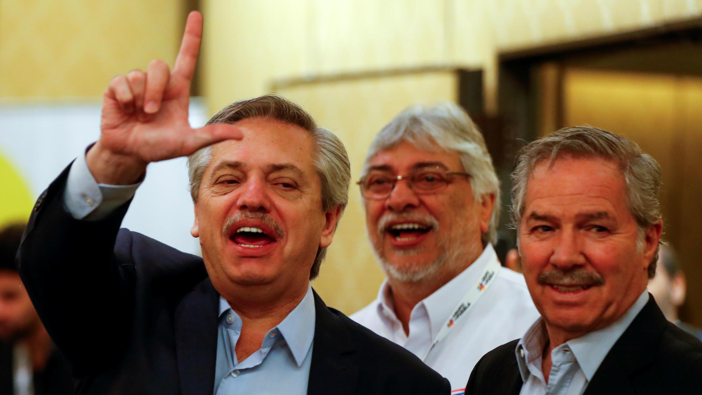 El presidente Alberto Fernández, junto a Felipe Solá, su canciller designado. Buenos Aires, Argentina, el 9 de noviembre de 2019.