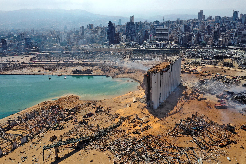 مظاهر الدمار في مرفأ بيروت.