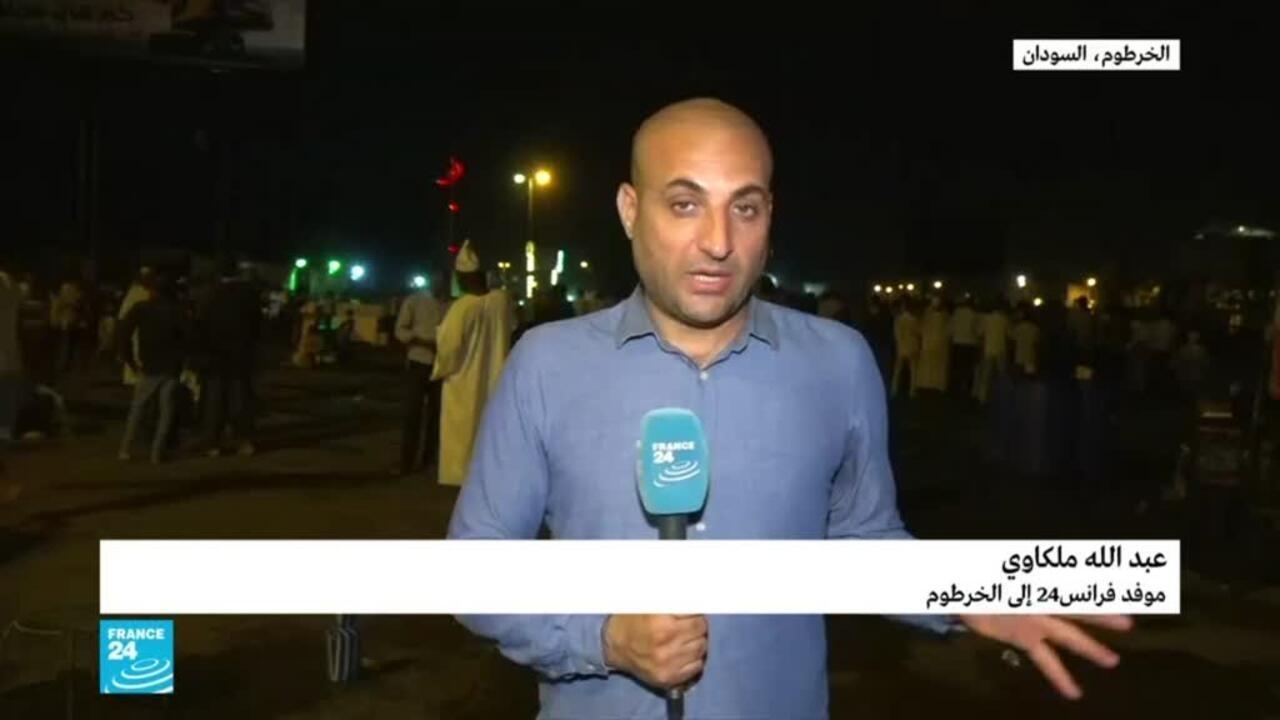 السودان: مطلب السلطة المدنية شعار المعتصمين أمام قيادة