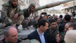 الأسد يزور جنودا سوريين في الغوطة الشرقية، 18 مارس/آذار 2018
