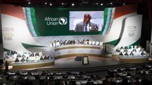 رئيس مفوضية الاتحاد الإفريقي موسى فكي خلال القمة المنعقدة في نيامي