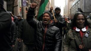 متظاهرون في شيكاغو ينددون بمقتل شاب أسود