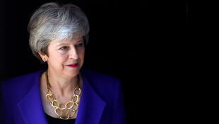 La primera ministra británica, Theresa May, espera a la primera ministra de Islandia, Katrin Jakobsdottir, en Downing Street en Londres, Gran Bretaña, el 2 de mayo de 2019.