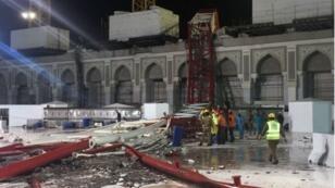 سقوط الرافعة بالمسجد الحرام الذي أودى بحياة أكثر من مئة شخص