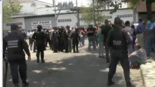 رجال شرطة خارج المقر الرئيسي للشرطة بفالنسيا 28 آذار/مارس 2018