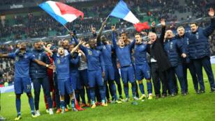 Les Français entonnent la Marseillaise