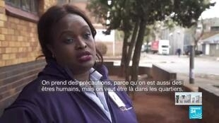 2020-04-06 11:12 Pandémie de Covid-19 : La chasse au virus dans les townships sud-africains