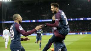 Les Parisiens n'ont fait qu'une bouchée de l'OM, mais Neymar est incertain pour les deux prochains matchs.