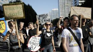 مظاهرات في برلين احتجاجا على صعود التيارات العنصرية. 13 تشرين الأول/أكتوبر 2018.