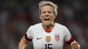 قائدة فريق المنتخب الأمريكي لكرة القدم النسائية ميغان رابينو.