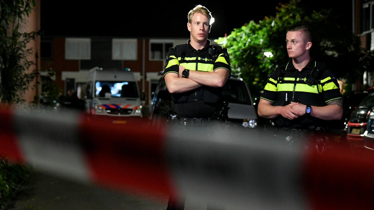 La policía asegura el área después de un tiroteo en la ciudad holandesa de Dordrecht, Países Bajos, el 9 de septiembre de 2019.