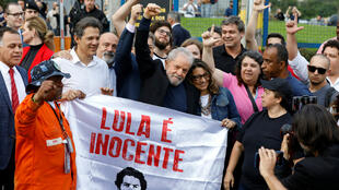 Lula walks out of prison