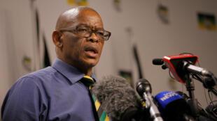El secretario general del Congreso Nacional Africano (CNA), Ace Magashule, ofrece una rueda de prensa en Johannesburgo. 13/2/17