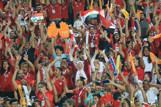 جماهير الكرة المصرية يملأون الملاعب خلال مباريات الفراعنة