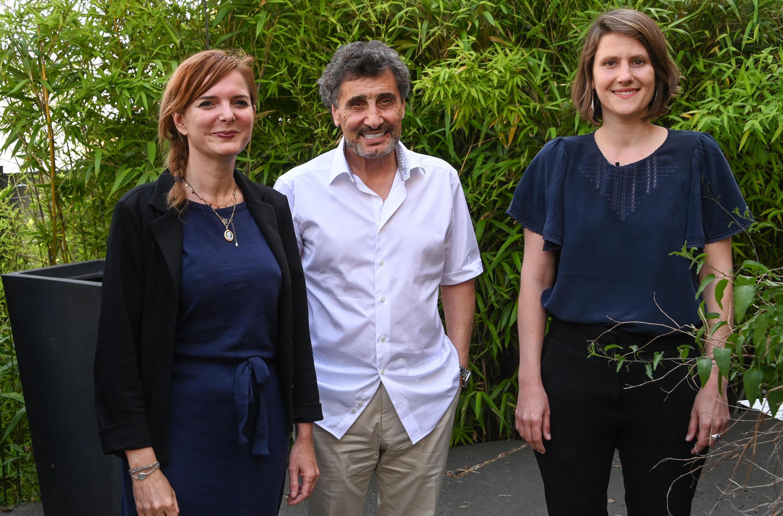 Le candidat Mohed Altrad, entouré de Clothilde Ollier et Alenka Doulain, le 3 juin 2020, à Montpellier.