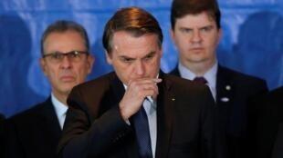 Jair Bolsonaro enfrenta su primera crisis de gobierno desde que accedió al poder en Brasil, el 1 de enero de 2019.