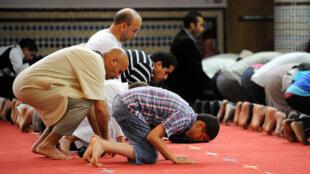 Les fidèles de la deuxième religion de France débuteront le ramadan dans l'unité cette année.